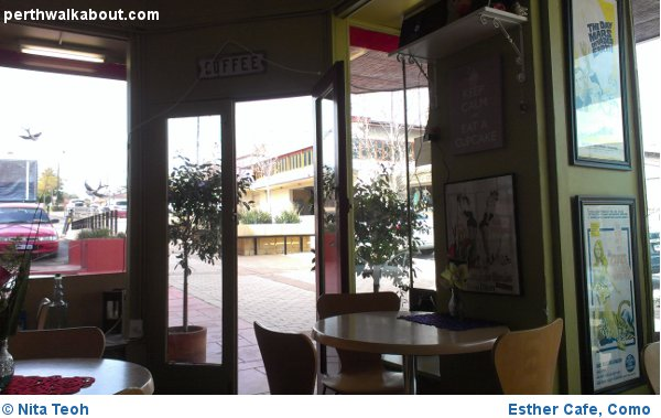 Esther-Cafe-Como-1